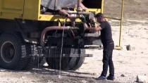 Balıklar İçin Tankerle Su Taşınıyor