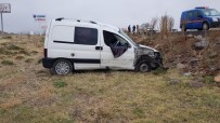 Develi'de Trafik Kazası Açıklaması 3 Yaralı