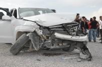 Hakkari'de 3 Ayrı Trafik Kazası Açıklaması 4 Yaralı