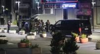 ÖZEL HAREKAT POLİSLERİ - İstanbul'da AVM Ve Rezidansa Ateş Edip Lüks Otomobille Kaçtılar