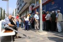 EZİLME TEHLİKESİ - Kahramanmaraş'ta '65 Yaş' Kuyruğu
