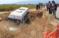 Otomobilin Çarptığı Yolcu Minibüsü Dereye Uçtu Açıklaması 9 Yaralı