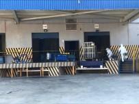 AFAD Ve UMKE Şüpheli Toz Paniği Yaşanan Dağıtım Merkezinde