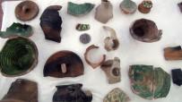 MİMARİ - Ahlat'taki Kazılarda 5 Bin Yıllık Seramikler Bulundu