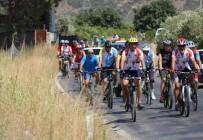 Bisikletçiler Gökçealan Üzüm Festivaline Pedallıyor