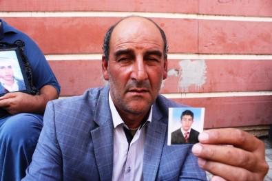 HDP Önünde Eylem Yapan Ailelerin Sesi Çığ Gibi Büyümeye Devam Ediyor