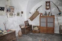 Kendi İmkanları İle Topladığı Eşyalardan Müze Açtı
