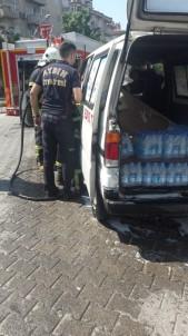 Alev Alan Su Dağıtım Aracını İtfaiye Söndürdü