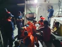 Batma Tehlikesi Geçiren Botta Bulunan 16 Mülteci Kurtarıldı