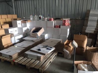 Besi Çiftliği Hangarında Dev Kaçak Alkol Ve Tütün Operasyonu