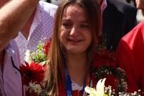 Dünya İkincisi Sümeyye Boyacı'dan Mutluluk Gözyaşları