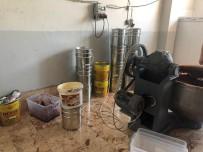 Eyüpsultan'da Bir Depoya Yapılan Operasyonda Kaçak Nargile Tütünü Ele Geçirildi
