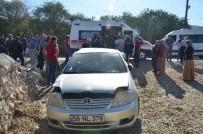 Otomobil Duvara Çarptı Açıklaması 5 Yaralı