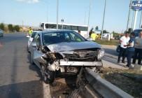 Kavşakta İki Otomobil Çarpıştı Açıklaması 9 Yaralı