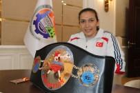 Milli Boksör Güneri Açıklaması 'Hep Şampiyonluk, Hep İstiklal Marşı Hedefim Var'