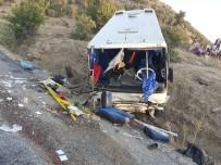 Üzüm İşçilerini Taşıyan Minibüs Uçuruma Yuvarlandı Açıklaması 15 Yaralı