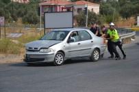 Ayvalık'ta Trafik Kazası Açıklaması 2 Yaralı