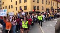 PARLAMENTO - İngiltere Ve İsveç'te İklim Değişikliği Protestosu