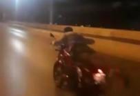 Motosikletli Magandaların 'Yok Artık' Dedirttiği Anlar Kamerada