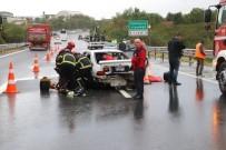 TEM Otoyolunda 3 Otomobil Birbirine Girdi Açıklaması 5 Yaralı