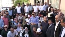 BÜYÜK BIRLIK PARTISI - Diyarbakır Annelerinin Oturma Eylemine Destek