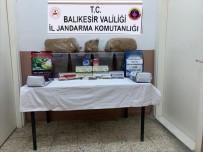 Jandarmadan Kaçak Sigara Ve Tütün Operasyonu