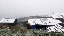 Rize'de Huser Yaylası'na Mevsimin İlk Karı Yağdı