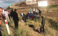 AHMET YENİLMEZ - Takla Atan Otomobil Şarampole Uçtu Açıklaması 5 Yaralı