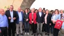 Tarihi Uzun Köprü'de Kortej Yürüyüşü