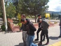 TRAFİK MÜDÜRLÜĞÜ - Uyuşturucu Operasyonunda 2 Kişi Tutuklandı