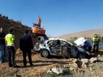 Virajı Alamayan Otomobil Takla Attı Açıklaması 3 Ölü, 2 Yaralı