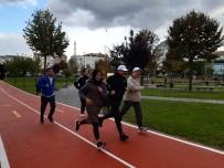 Zeytinburnu'nda Yenilenen Parklarda, 'Sağlıklı Hayat Yürüyüşü'