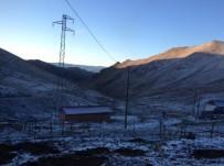 YONCALı - Bayburt'un Yüksek Kesimlerine Kar Yağdı