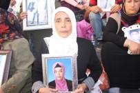 OTURMA EYLEMİ - HDP Önünde Eylem Yapan Aile Sayısı 20'Nci Günde 45'E Yükseldi