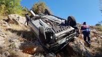 Kontrolden Çıkan Otomobil Dere Yatağına Uçtu Açıklaması 5 Yaralı