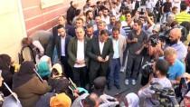 OTURMA EYLEMİ - Diyarbakır Annelerinin Oturma Eylemine Destek