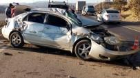 Kırıkkale'de 1 Kamyon Ve 2 Otomobil Çarpıştı Açıklaması 3 Yaralı