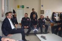 Ayvalık Belediye Başkanı Mesut Ergin'i İtfaiyecileri Unutmadı