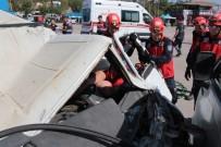 Balıkesir'deki Deprem Tatbikatı Gerçeğini Aratmadı
