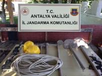 Eve Giren Jandarma 33 Metrelik Tünelle Karşılaştı