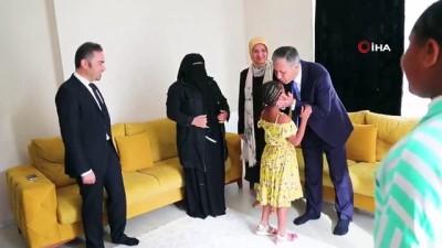 İstanbul Valisi Yerlikaya, Al Farawi Ailesini Ziyaret Etti