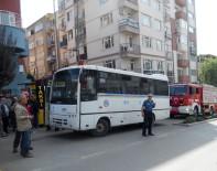 Otobüsün Altında Kalan Yaşlı Adam Metrelerce Sürüklendi