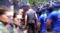 Otomobiliyle Uçtuğu Bahçeyi Savaş Alanına Çeviren Kadın Sürücünün Kurtarılma Anı Kamerada