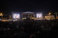 NEŞELİ GÜNLER - Talas'ta Yaz Akşamları 'Sinema Günleri' İle Geçti