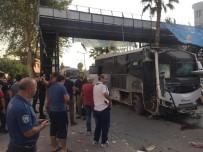 SELAHATTIN EYYUBI - Adana'da Polis Servis Aracına Bombalı Saldırı Açıklaması 5 Yaralı