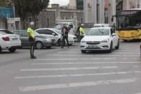 Trafikte Araçta Sigara İçen Sürücü Polise Yakalandı, 'Yakmadan Önce De Aklıma Gelmişti' Dedi