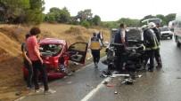 Kontrolden Çıkan Otomobil Karşı Şeride Geçip 2 Araca Çarptı Açıklaması 4 Yaralı