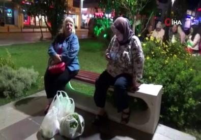 Silivri'de Vatandaşlar Parklarda Battaniyeye Sarılı Şekilde Bekliyor