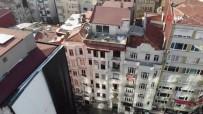 Şişli'de 6 Katlı Tarihi Binada Çatlaklar Meydana Geldi