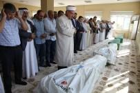 Trafik Kazasında Ölen 4 Kardeş Yan Yana Toprağa Verildi